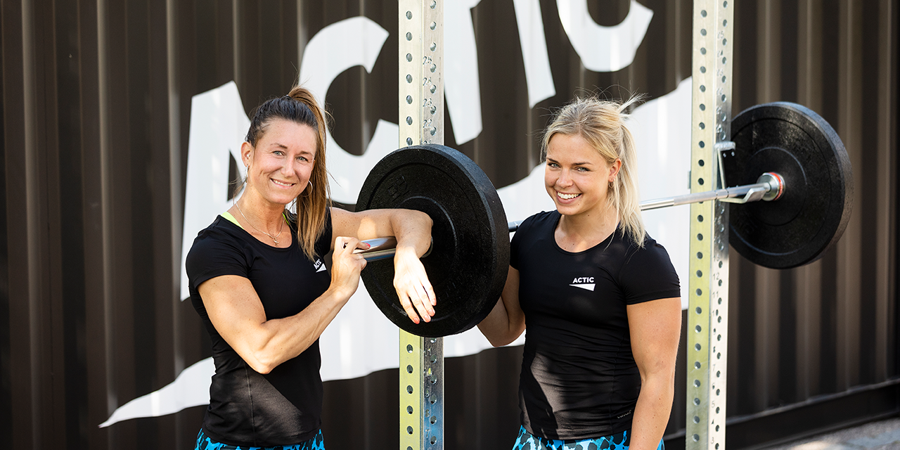 ACTIC girls with weights